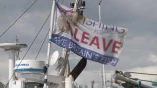 Fishermen stage protest over Brexit transition deal