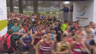 Crowds of thousands watched a dramatic double result in the Brighton marathon