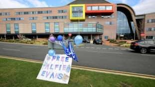 Alfie Evans: parents apologise after reports of intimidation by hospital protestors