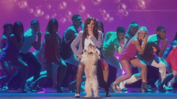 Ashleigh and Pudsey do Gangnam Style