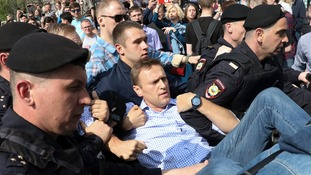 Alexei Navalny among 1,000 arrested as thousands in Russia demonstrate against Vladimir Putin inauguration