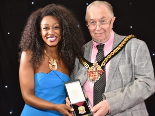 Beverley Knight receiving her award
