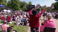 100,000 people in Windsor for royal wedding