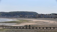Man dies after falling into sea at Llandudno