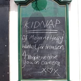 Kidnap sign