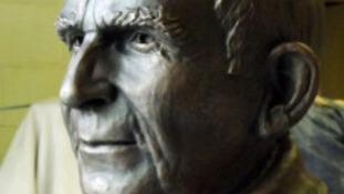 Bill McLaren sculpture