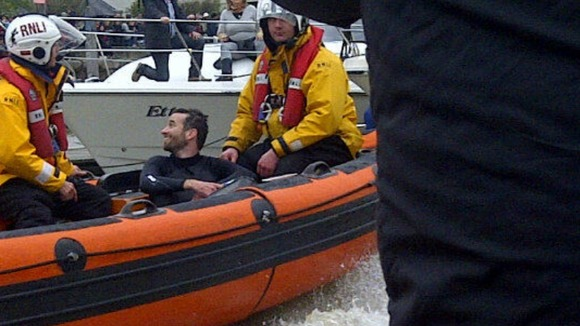 2:56pm, Sat 7 Apr 2012 Boat Race rower collapsed