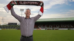 Gary Smyth comes back to Glentoran from Harland & Wolff Welders.