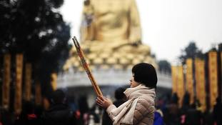 China orders fresh crackdown on religious statues