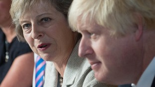 Theresa May and ministers to thrash out Brexit position at Chequers