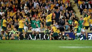 Australia celebrate a try by David Pocock