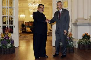 Kim Jong-un met Singapore's Prime Minister Lee Hsien Loong on Sunday.