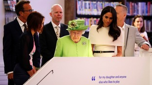 The Queen wore a green outfit in memory of the Grenfell disaster.