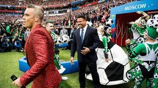 Robbie Williams starred alongside Brazilian football great Ronaldo.