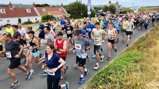 Burling and Maisch win as hundreds tackle Guernsey Milk Run