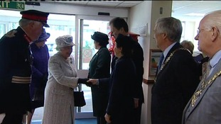 The Queen arrives at the hospital