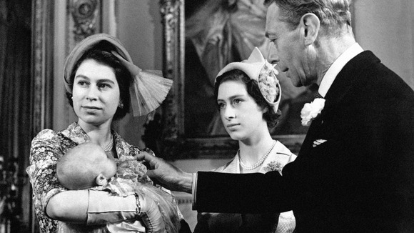 King George VI with Princess Elizabeth, Princess Margaret and his granddaughter Princess Anne in 1950