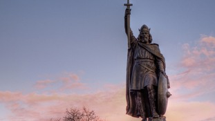 Archaeologists hunt for Alfred the Great remains