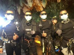 The last four Thai navy Seals come out safely