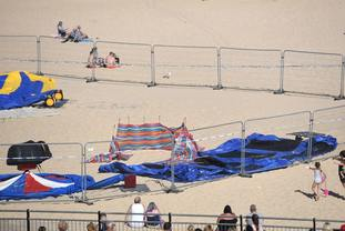 Girl dies on Gorleston beach
