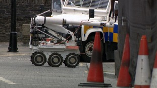 'Crude' bombs thrown at police in Derry