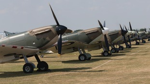 Thousands enjoy 'Flying Legends Air Show' at Duxford