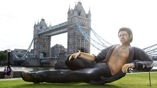 A semi-naked statue of Jeff Goldblum has popped up next to Tower Bridge.