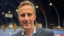 Ian Paisley urged to quit over holidays funded by Sri Lankan government