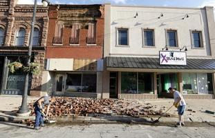 Clearing up on Main Street, Marshalltown