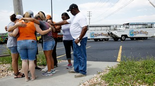 Nine members of same family drown in US duck boat sinking