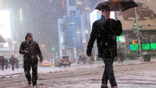 Snow causing havoc in the streaks of New York