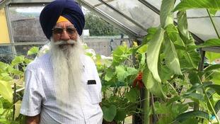 Man who grew world's longest cucumber says prayer is his secret to success