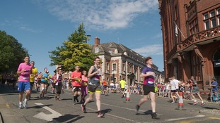 Thousands of runners brave the heat to take part in Run Norwich