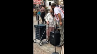 Crowd left 'in tears' by pensioner's duet with Truro busker