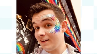 This man had a sparkly surprise for strangers who shouted homophobic abuse at him