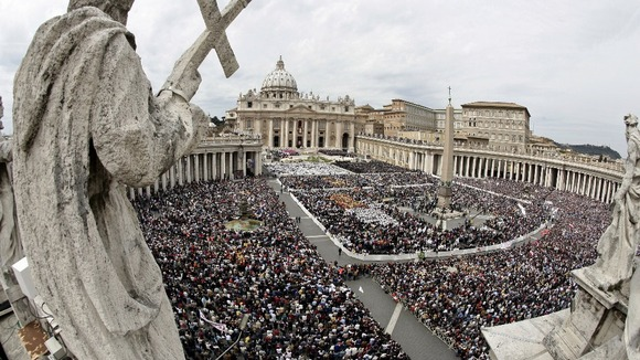 A large crowd fills St Peter&#x27;s Square during the Inaugural Mass.