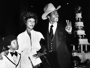 Franklin with her second husband Glynn Turman and her son Kecalf.