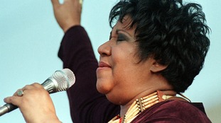 Aretha Franklin performs in 1998.