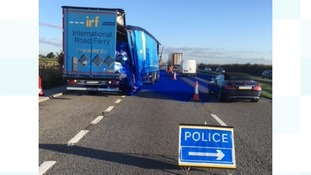 Powdered paint spill closes one lane of A1