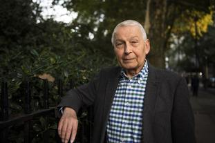 Frank Field resigns Labour whip