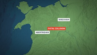 Man dies in Powys car crash