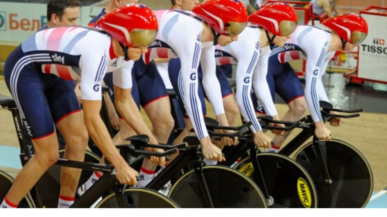 Men&#x27;s 1km team pursuit line-up