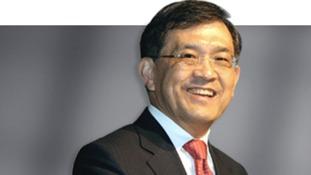 Samsung CEO declared year's best brand builder - ITV News
