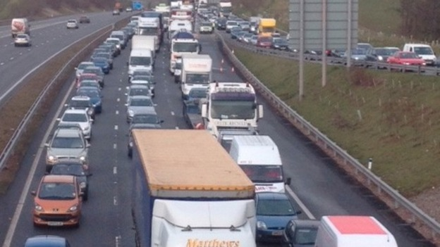 Standstill traffic on M4