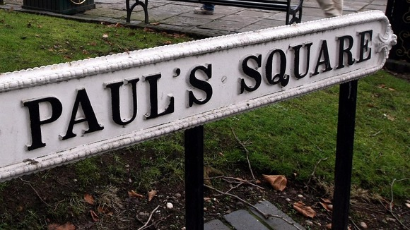 Councillors in Devon are considering banning apostrophes from street signs