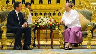 David Cameron in talks with President Thien Sein