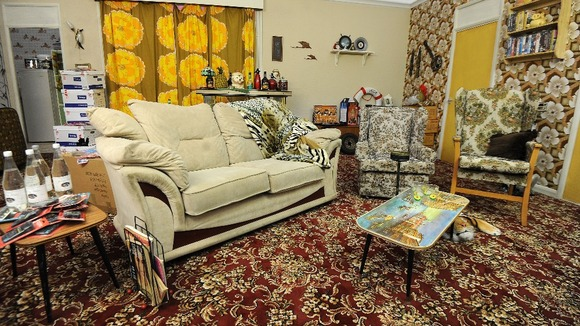 Del Boy S Living Room Gets A Lovely Jubbly Makeover Itv News