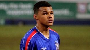Ipswich Town defender Tyrone Mings has received thousands of messages on Twitter after he supplied a fan with tickets.
