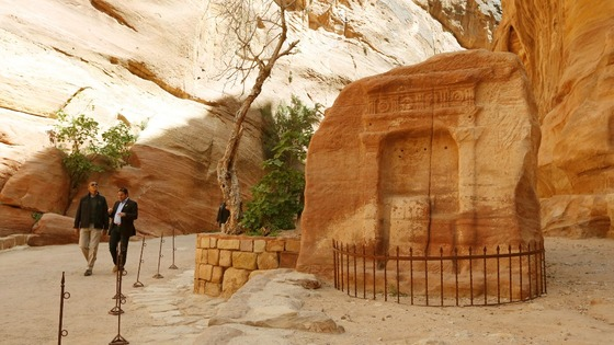 President Obama shown around Petra by Suleiman al-Farajat, a tourism professor at the University of Jordan