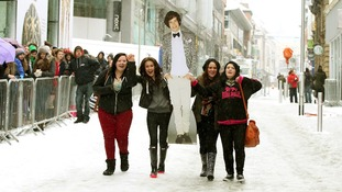 Some One Direction fans make off with Harry Styles